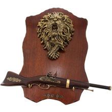 Сувенирное изделие ружье на планшете с крупным накладным элемент